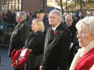 Laying the wreath for the People's Centre